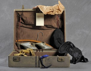 http://www.collectorsweekly.com/articles/abandoned-suitcases-reveal-private-lives-of-insane-asylum-patients/