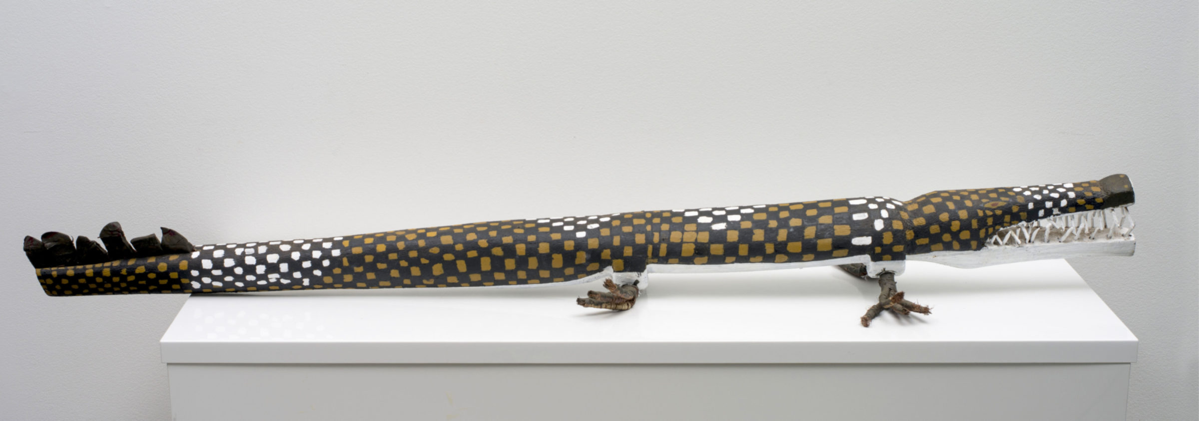 LENA-YARINKURA_'Kinga-Crocodile__2017_149-x-25-cm_top